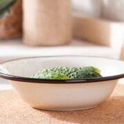 miska miednica stalowa emaliowana silesia rybnik kremowa 20 cm 020502513pwd 180x180 - Dlaczego warto mieć w swojej kuchni miski emaliowane?
