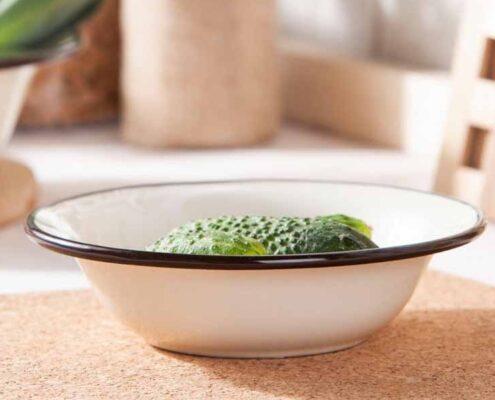 miska miednica stalowa emaliowana silesia rybnik kremowa 20 cm 020502513pwd 495x400 - Dlaczego warto mieć w swojej kuchni miski emaliowane?