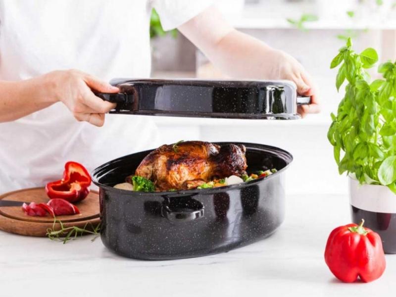 brytfanna emaliowana silesia rybnik 38 cm 2  1 - Naczynia przydatne podczas świątecznego gotowania