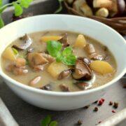 główne 149 small 180x180 - Przepis na prostą i smaczną wigilijną zupę grzybową