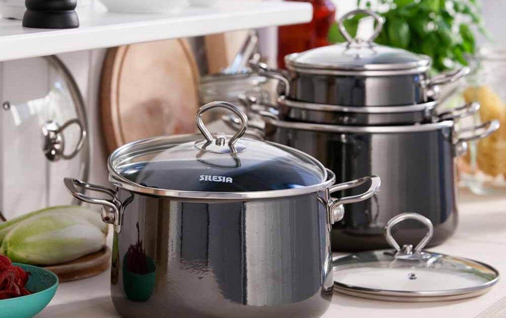 nowoczesne garnki emaliowane 1000x630 - Aranżacja kuchni z garnkami emaliowanymi w roli głównej